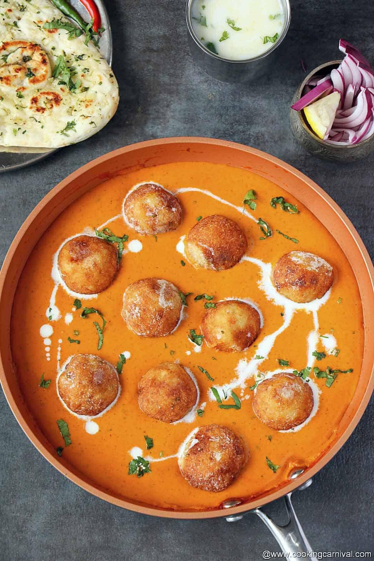 malai kofta in a pan