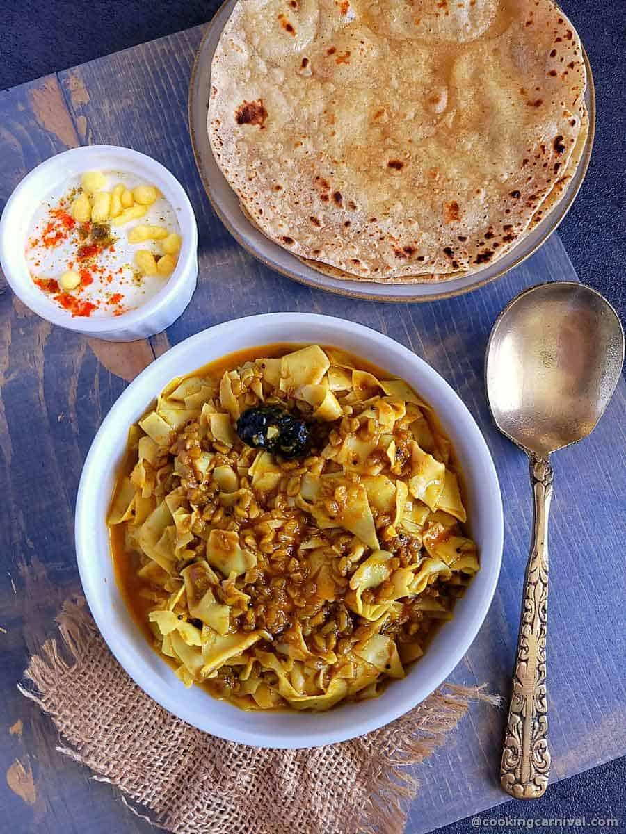 Methi papad nu shaak with roti and raita