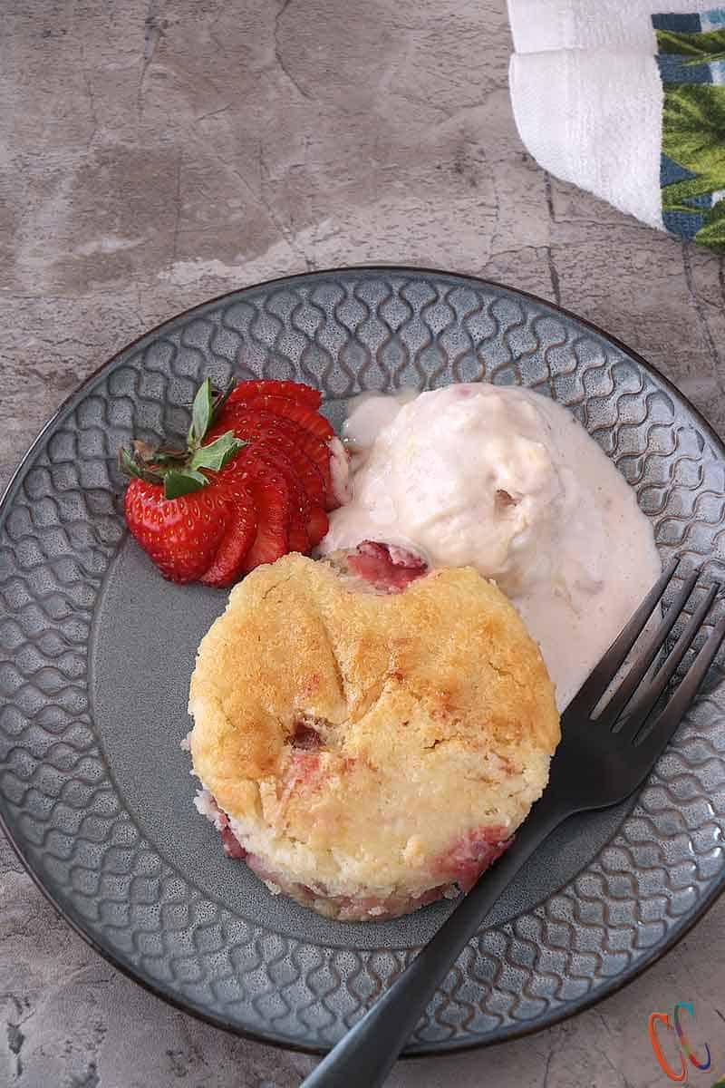 Easy Strawberry Cobbler recipe