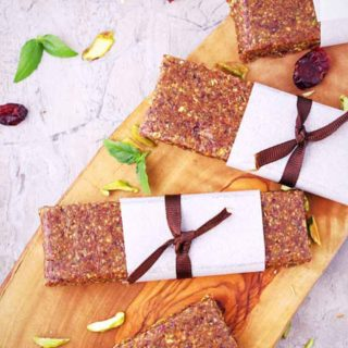 paleo energy bars / vegan energy bars / no bake energy bars / healthiest energy bars / gluten free energy bars