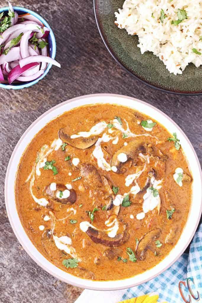 Mushroom masala with gravy, resturant style mushroom masala. mushroom masala in hindi, vegan mushroom recipe
