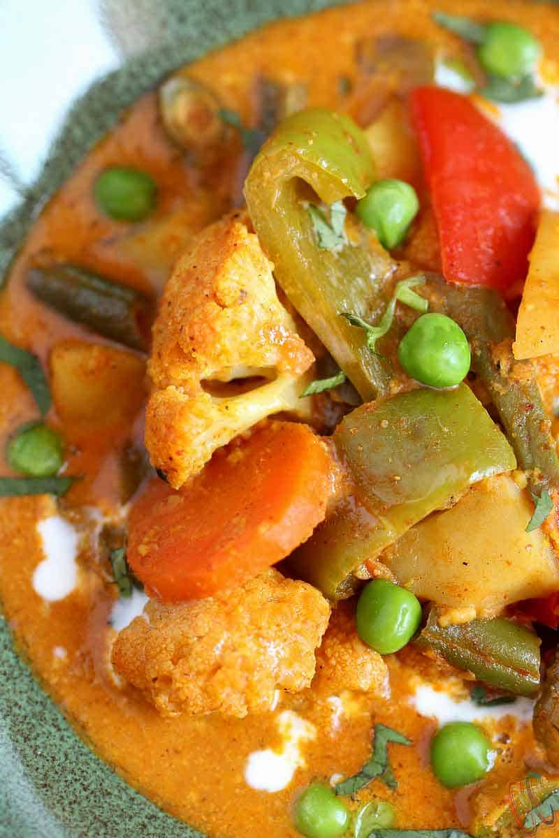 Instant Pot Vegetable Korma, easy curry recipe in instant pot, Perfect meatless Monday meal