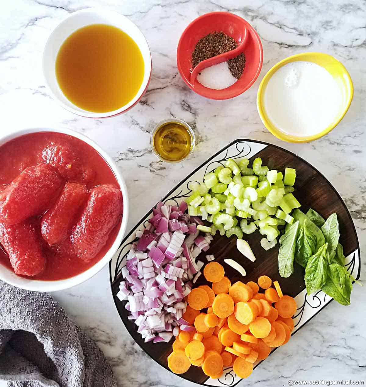 Instant pot tomato basil soup ingredients