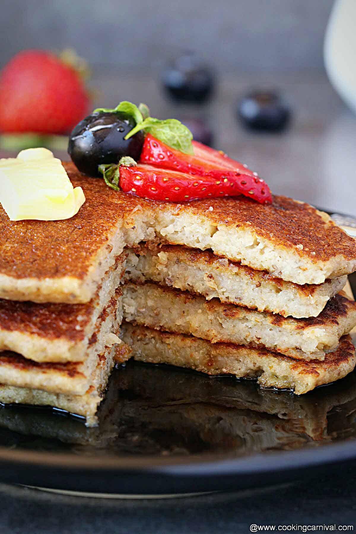 Cut picture of Banana oatmeal pancake