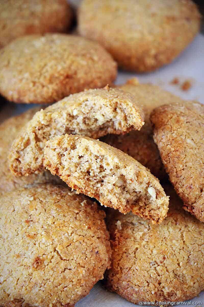 showing inner texture of Oats aata cookies
