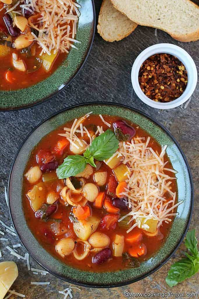 2 bowl o minestrone soups