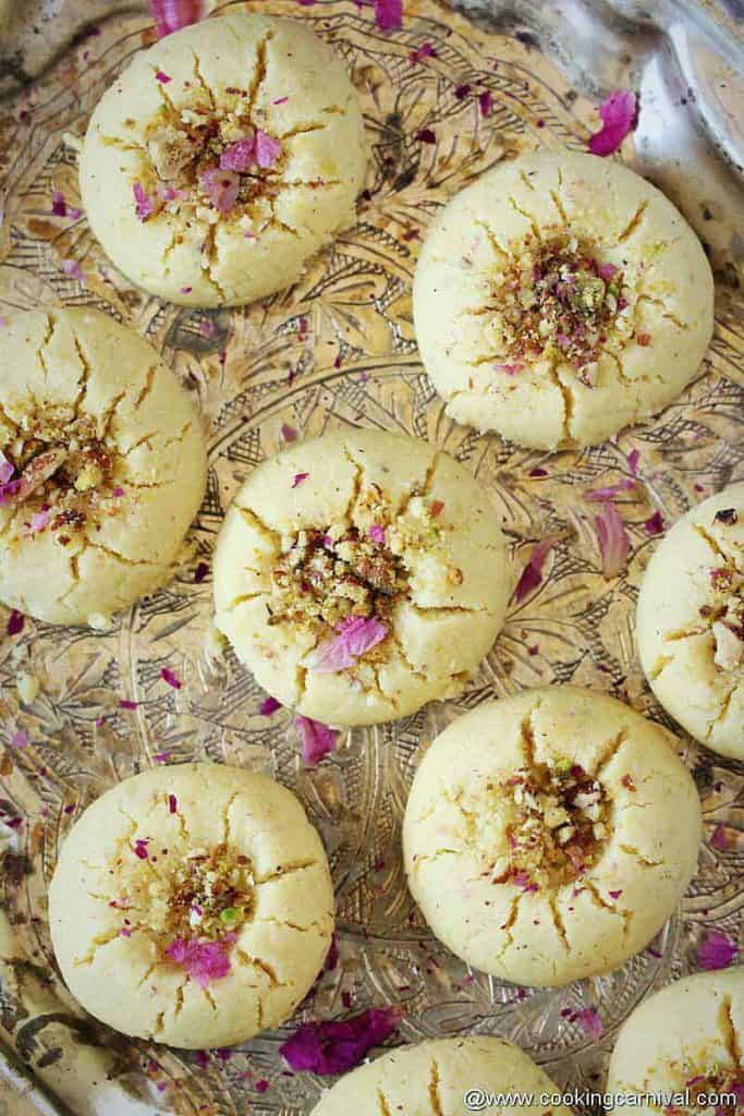 indian eggless biscuits in a plate