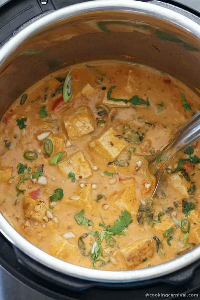 vegetable tofu thai peanut curry in instant pot